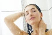 Những cách tắm vào mùa đông có thể khiến bạn tử vong