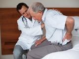 Chăm sóc xương khớp cho người già