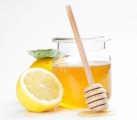 Uống nước chanh mật ong vào sáng sớm